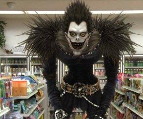 Первый отрывок из Death Note: встречу Лайта и Рюка чудовищно опошлили