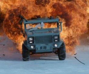 Российские машины взрываются нальду втизере «Форсажа8»