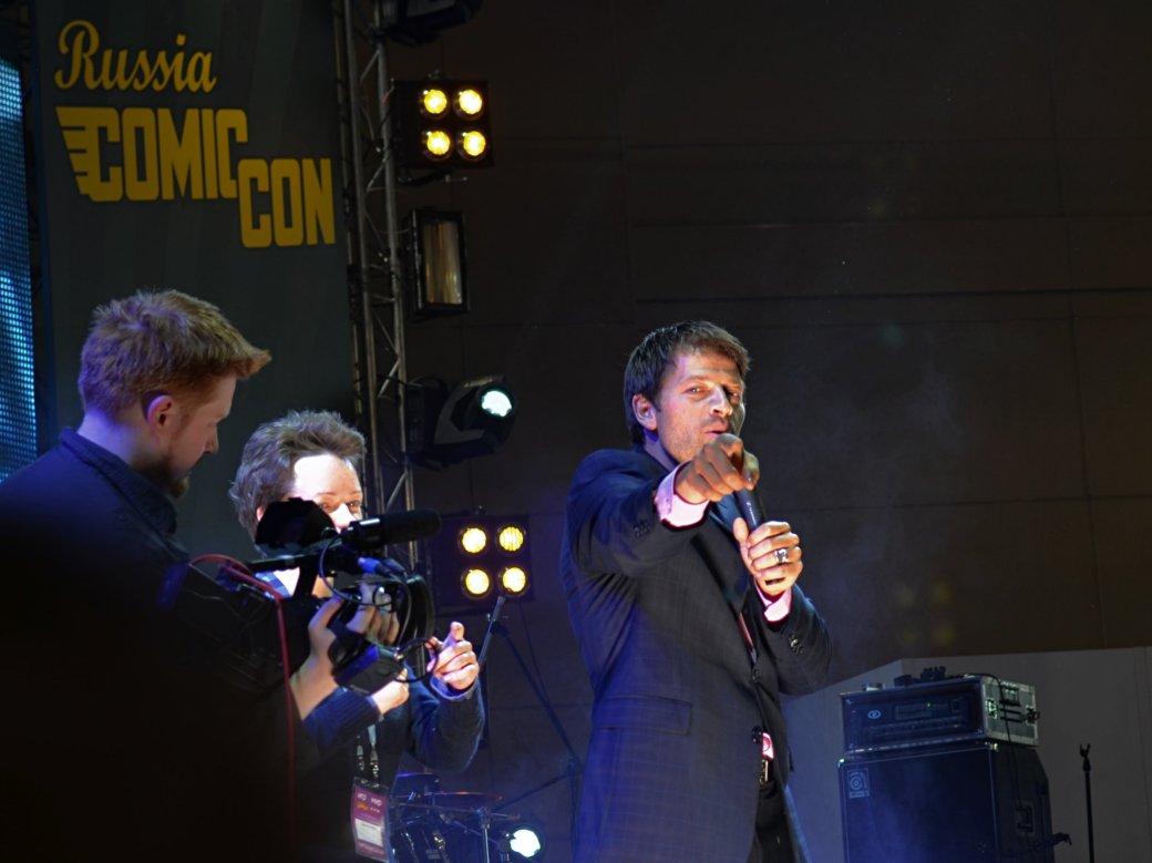 Фотоотчет с «Игромира» и Comic Con Russia, день 3 – Миша Коллинз - Изображение 35
