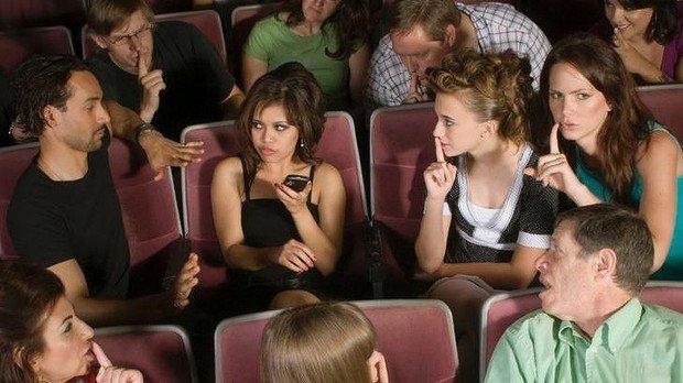 В американских кинотеатрах разрешат пользоваться телефонами - Изображение 2