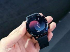 Смарт-часы Honor Watch Magic 2 стоят 10000 рублей иработают две недели без подзарядки