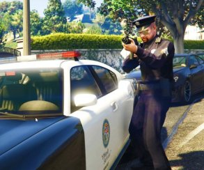 Гифка дня: полицейский нагло угоняет автомобиль вGrand Theft Auto5