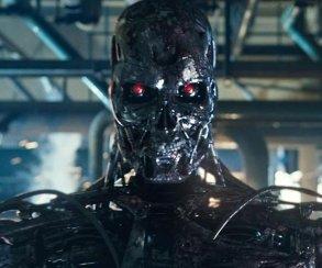 Японский робот играет в мобильный пазл лучше человека