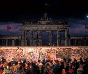 Разработчики Spec Ops: The Line приглашают в киберпанковский Берлин