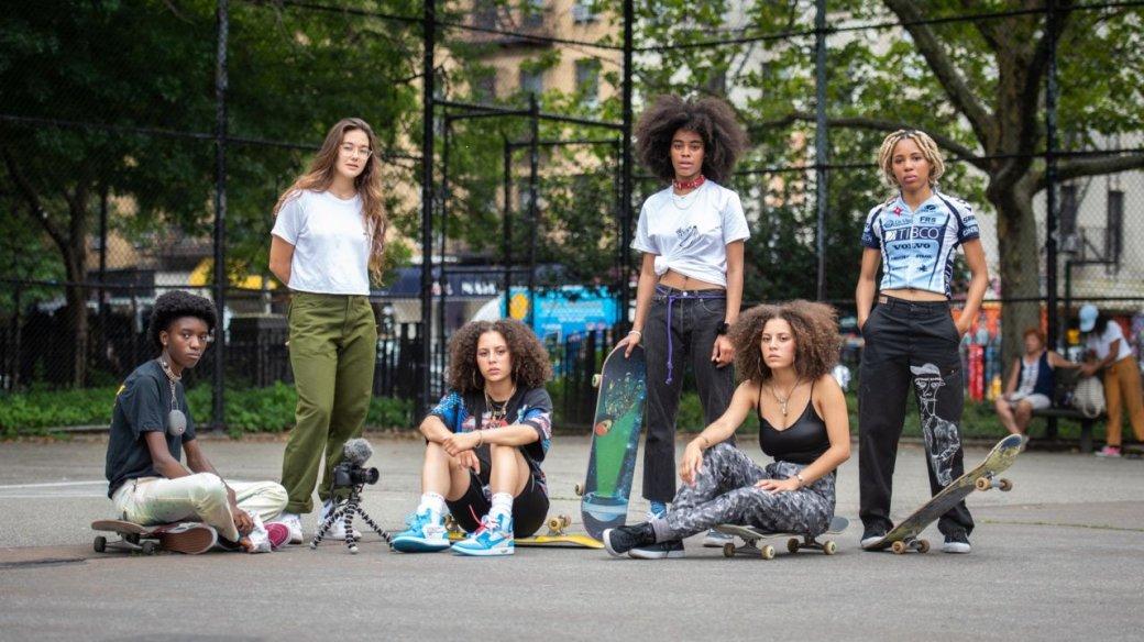 Рецензия на«Бетти». Милейший сериал одевушках-скейтерах всовременном Нью-Йорке