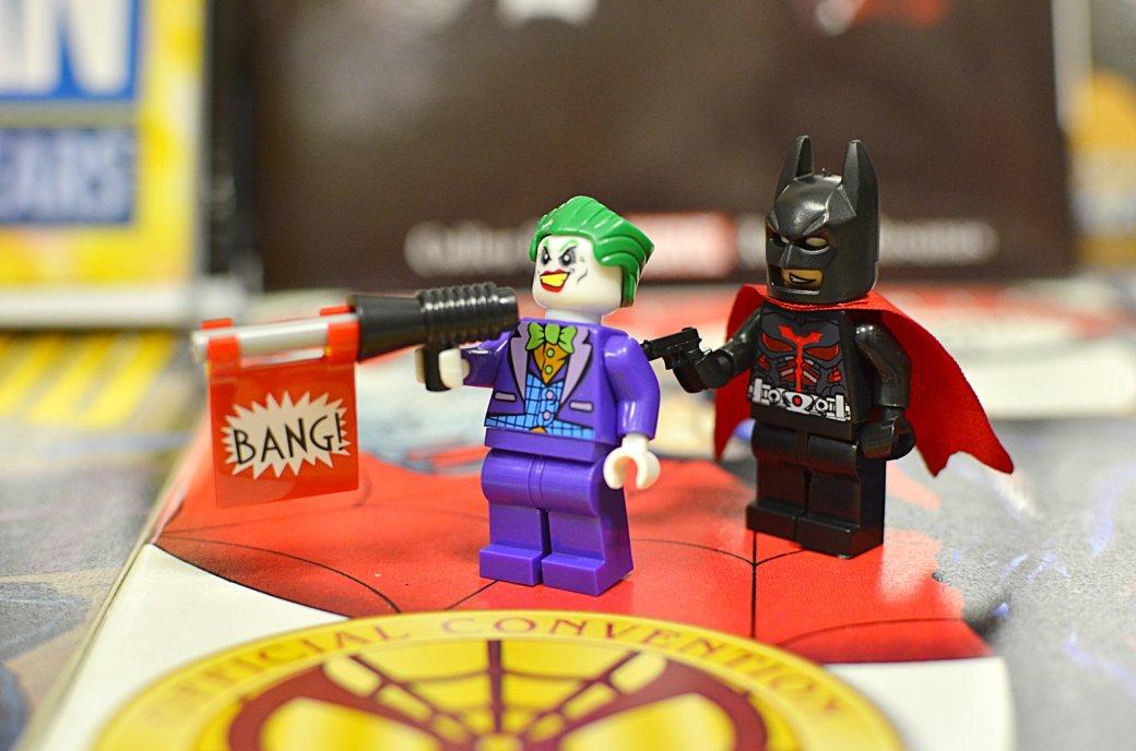 Топ-модель по-русски: «Канобу» устраивает фотосессию LEGO-супергероям | Канобу - Изображение 9