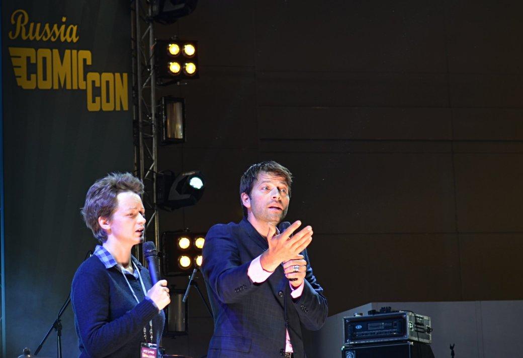 Фотоотчет с «Игромира» и Comic Con Russia, день 3 – Миша Коллинз | Канобу - Изображение 819