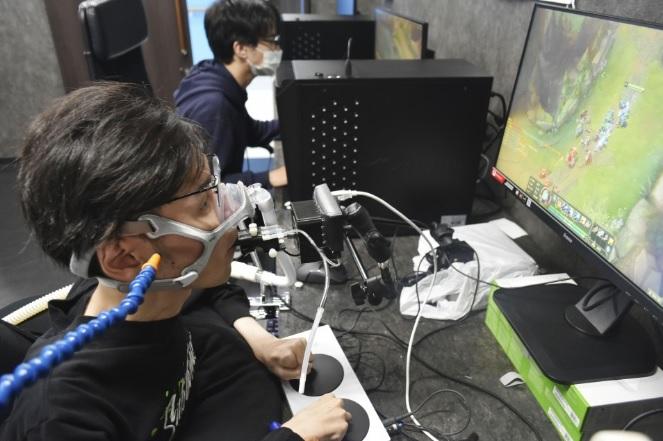В Японии пройдет турнир для инвалидов на контроллерах, которые управляются дыханием | Канобу - Изображение 4833
