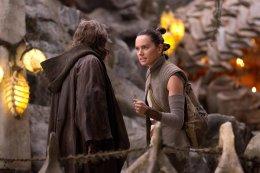 ВСети появилось описание первых пяти вырезанных сцен изфильма «Звездные Войны: Последние джедаи»