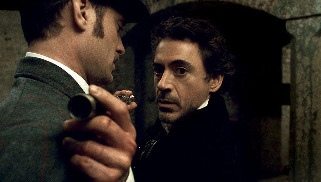 BossLogic объединил почти всех известных Шерлоков Холмсов наодном забавном постере-кроссовере